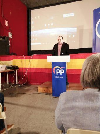 Presentaci%C3%B3n candidatura Partido Popular Herencia16 341x455 - Agudo presenta a Cristina Rodríguez de Tembleque como candidata a la Alcaldía de Herencia