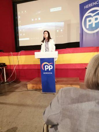 Presentaci%C3%B3n candidatura Partido Popular Herencia21 343x457 - Agudo presenta a Cristina Rodríguez de Tembleque como candidata a la Alcaldía de Herencia