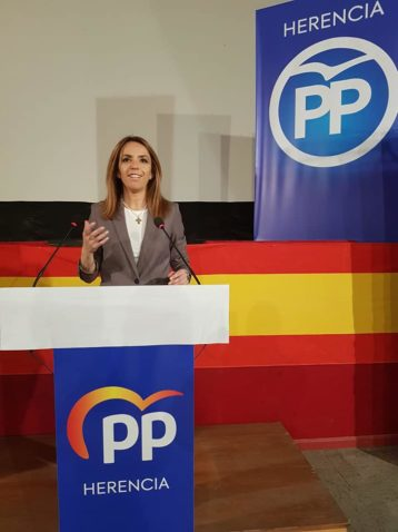 Presentaci%C3%B3n candidatura partido popular herencia05 358x478 - Agudo presenta a Cristina Rodríguez de Tembleque como candidata a la Alcaldía de Herencia
