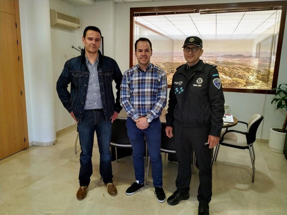 Toma posesi%C3%B3n un nuevo polic%C3%ADa local en Herencia - Herencia cuenta con un nuevo policía para completar una plantilla de 15 personas