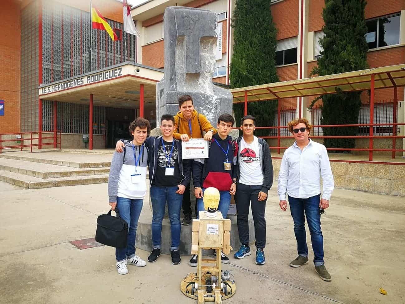 equipo robotica herencia 1 - Nuevos triunfos del equipo de robótica del IES Hermógenes Rodríguez