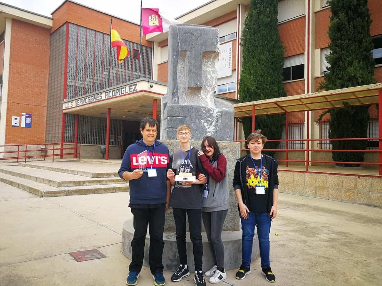 equipo robotica herencia 3 - Nuevos triunfos del equipo de robótica del IES Hermógenes Rodríguez