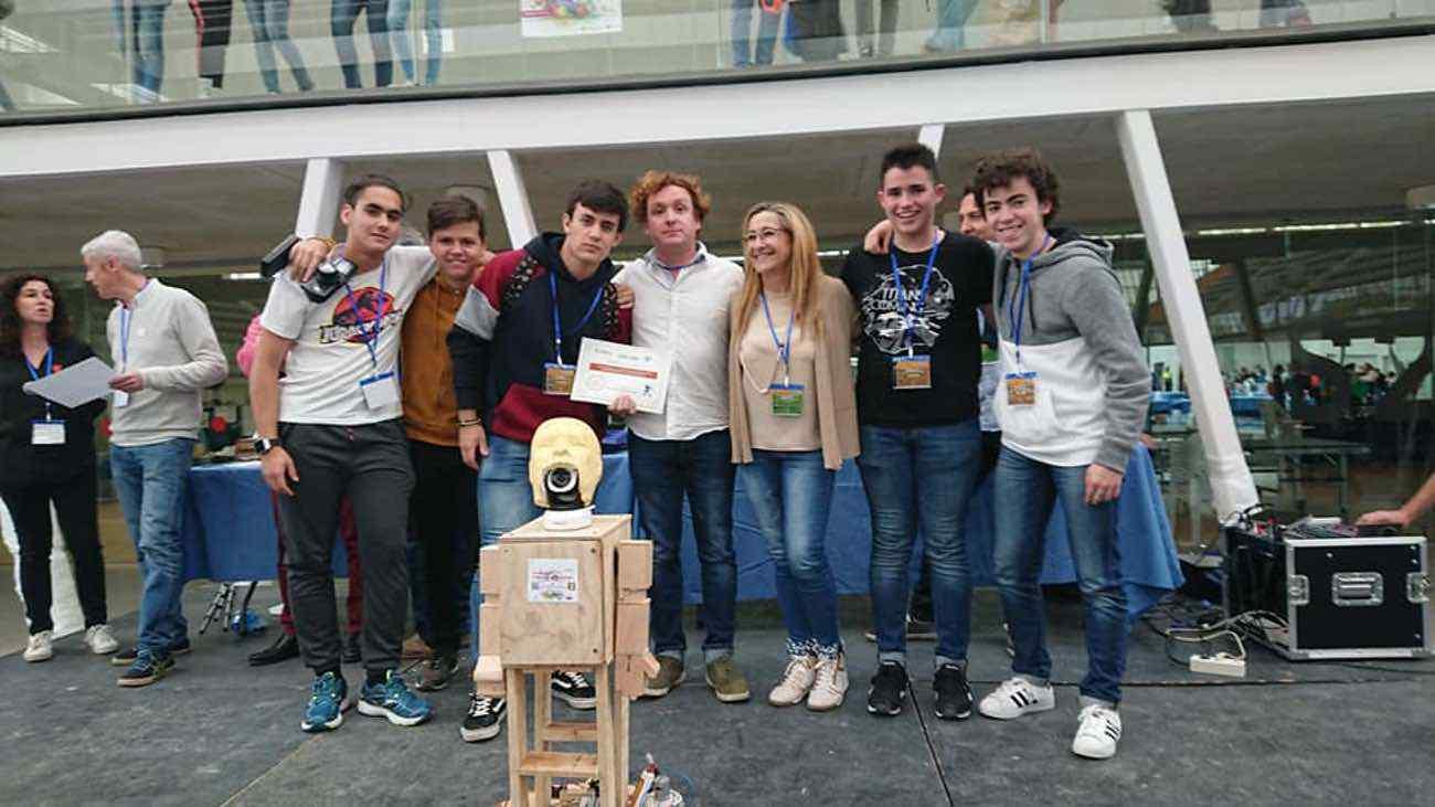Nuevos triunfos del equipo de robótica del IES Hermógenes Rodríguez 22