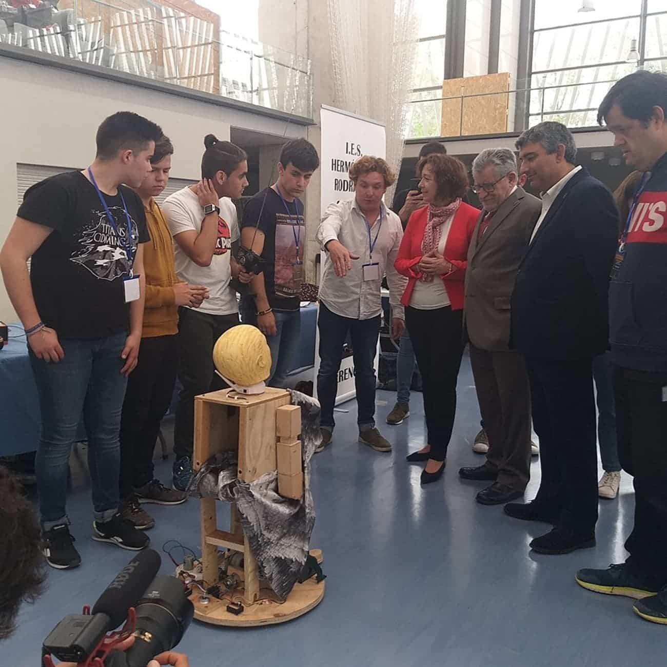 Nuevos triunfos del equipo de robótica del IES Hermógenes Rodríguez 23