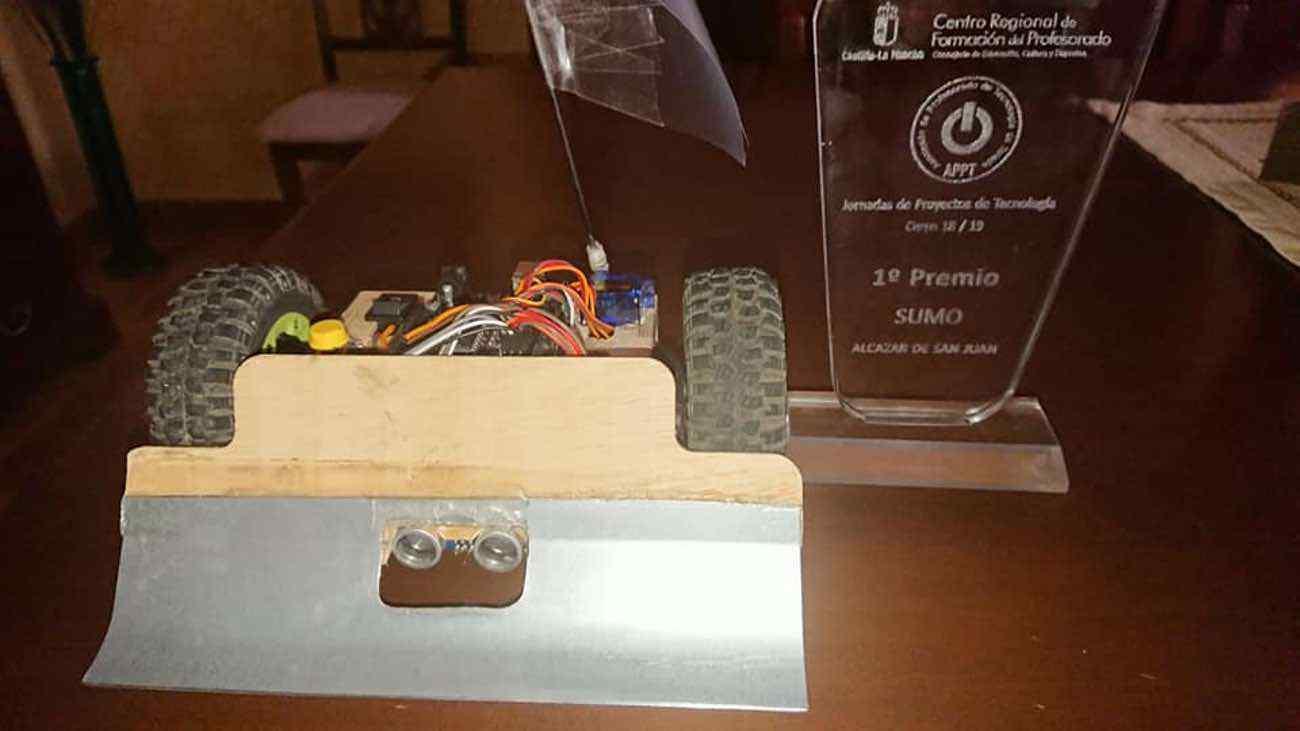 Nuevos triunfos del equipo de robótica del IES Hermógenes Rodríguez 25