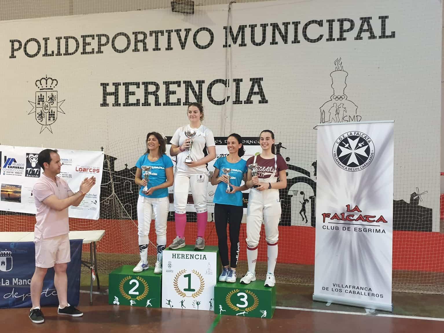 Campeonato Senior de Esgrima de Castilla La Mancha tiradoras - Herencia acoge el Campeonato Senior de Esgrima de Castilla La Mancha