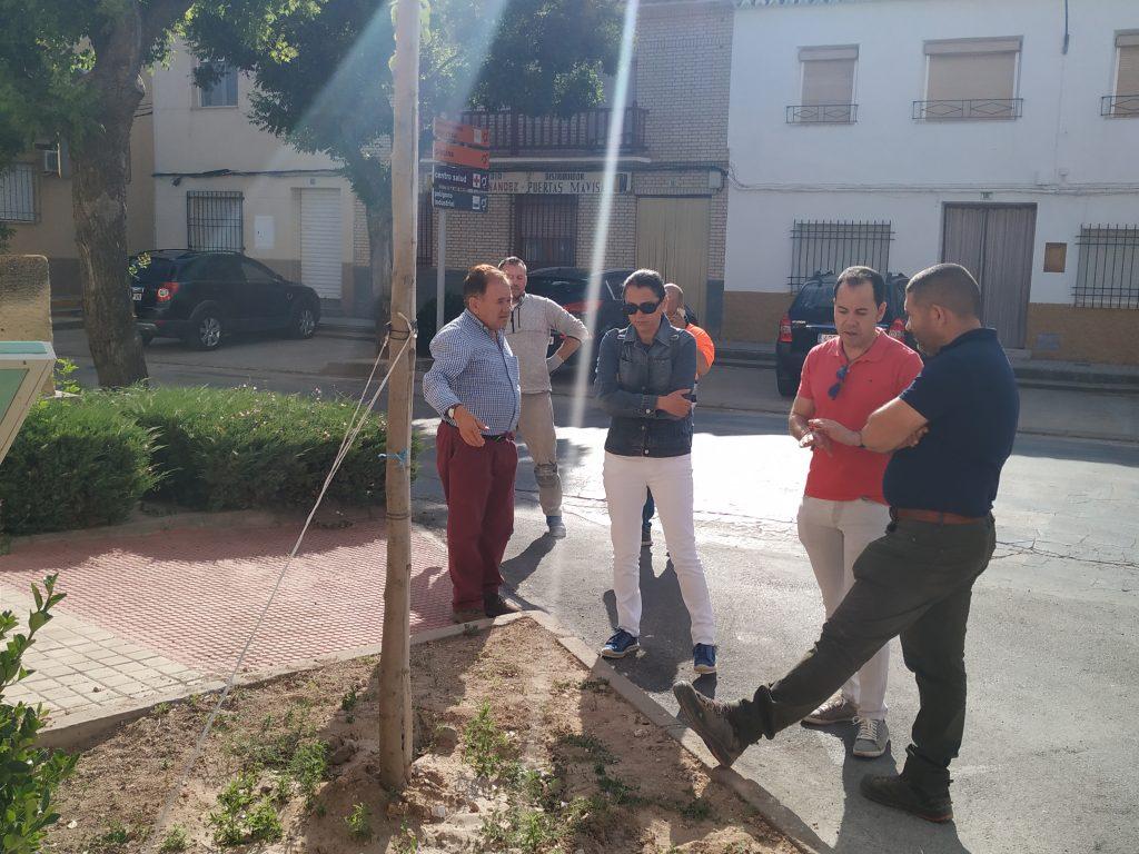 Continúan las obras de renovación del acerado en el barrio de San Antón 15