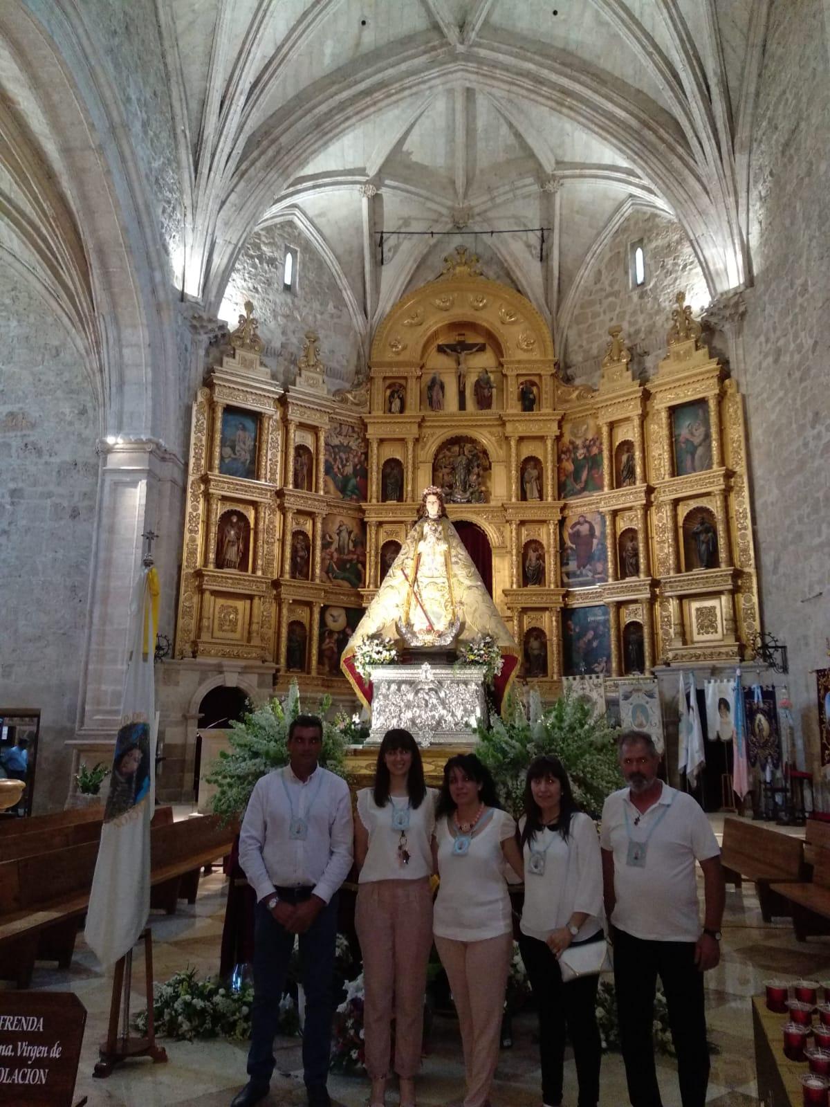 Miembros de la Hermandad de la Inmaculada en Valdepeñas - Miembros de la hermandad de la Inmaculada participan en los actos de la coronación pontificia de la Virgen de la Consolación de Valdepeñas