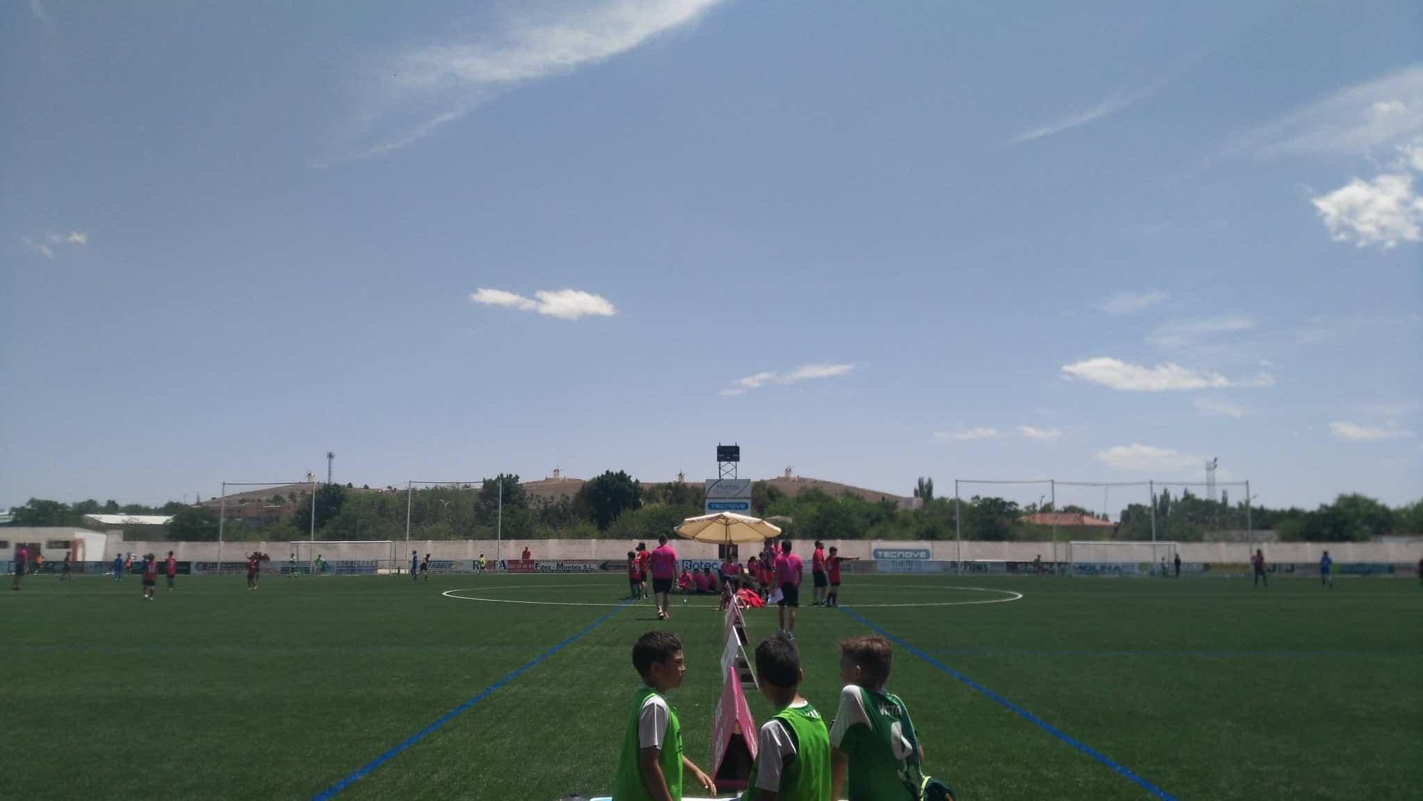 """VII Torneo futbol 8 soledad herencia 3 - Más de 300 chavales se dieron cita en el VIII Torneo de Fútbol-8 """"Virgen de la Soledad"""""""