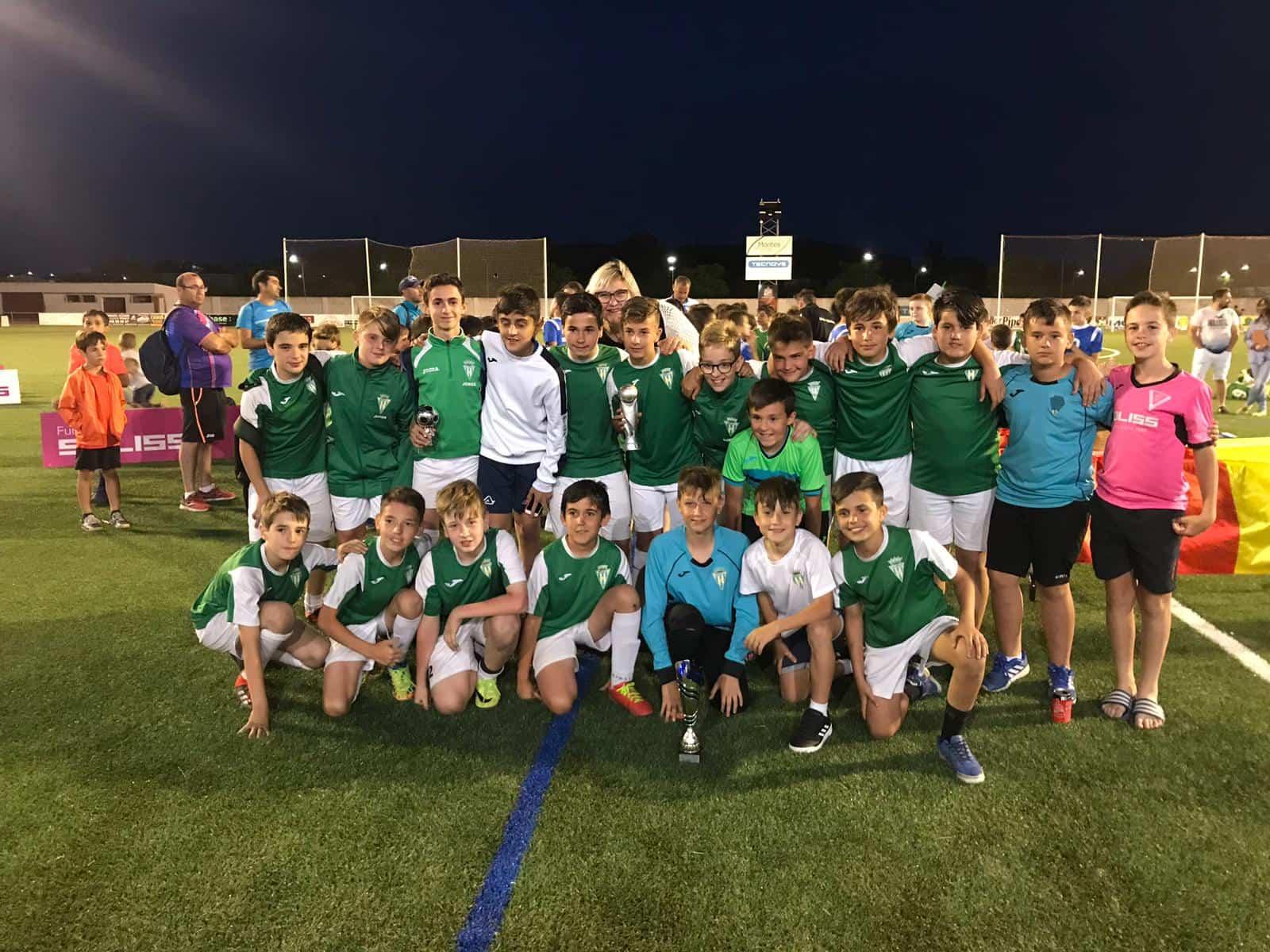 """VII Torneo futbol 8 soledad herencia 8 - Más de 300 chavales se dieron cita en el VIII Torneo de Fútbol-8 """"Virgen de la Soledad"""""""