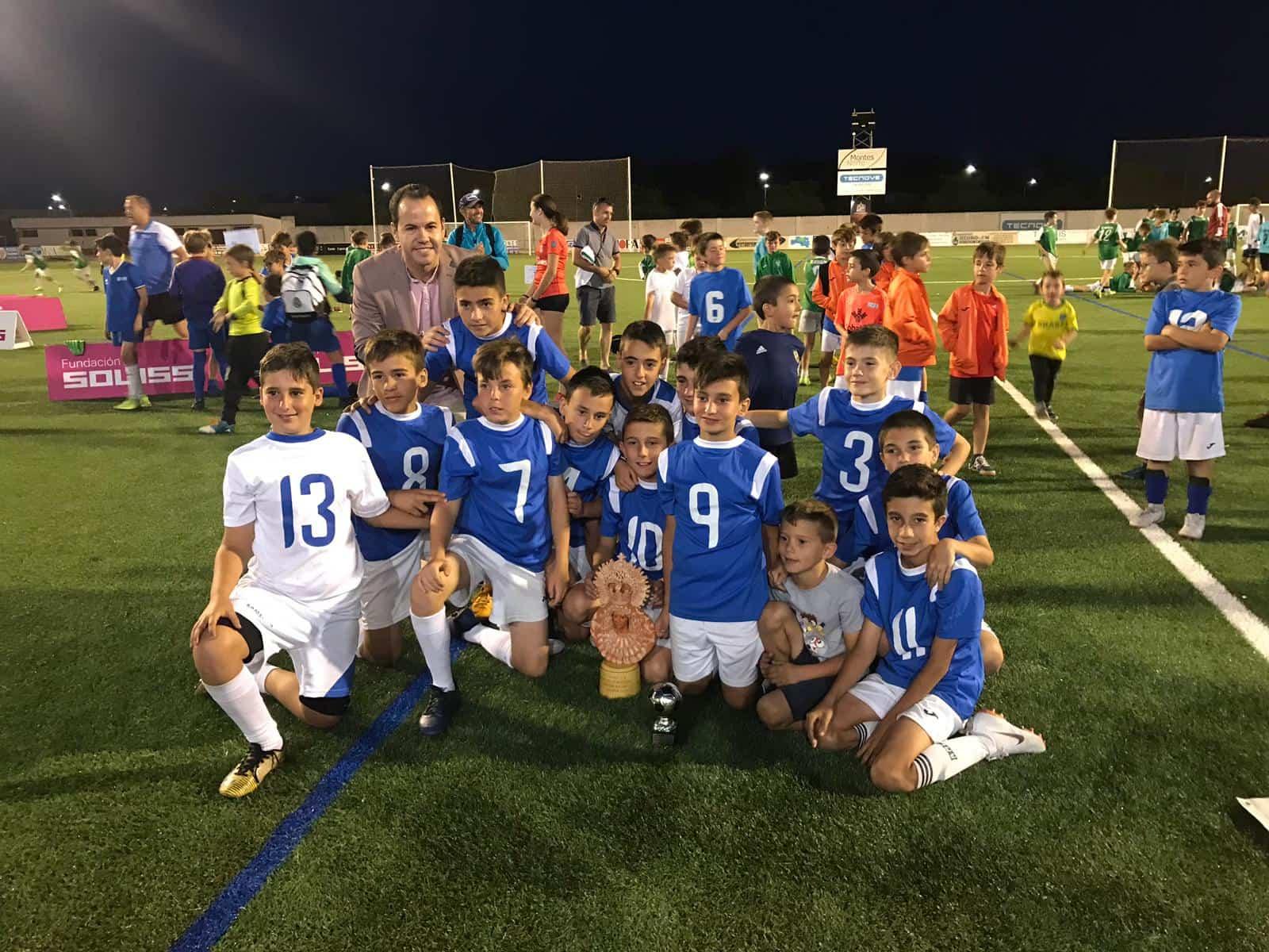"""VII Torneo futbol 8 soledad herencia 9 - Más de 300 chavales se dieron cita en el VIII Torneo de Fútbol-8 """"Virgen de la Soledad"""""""