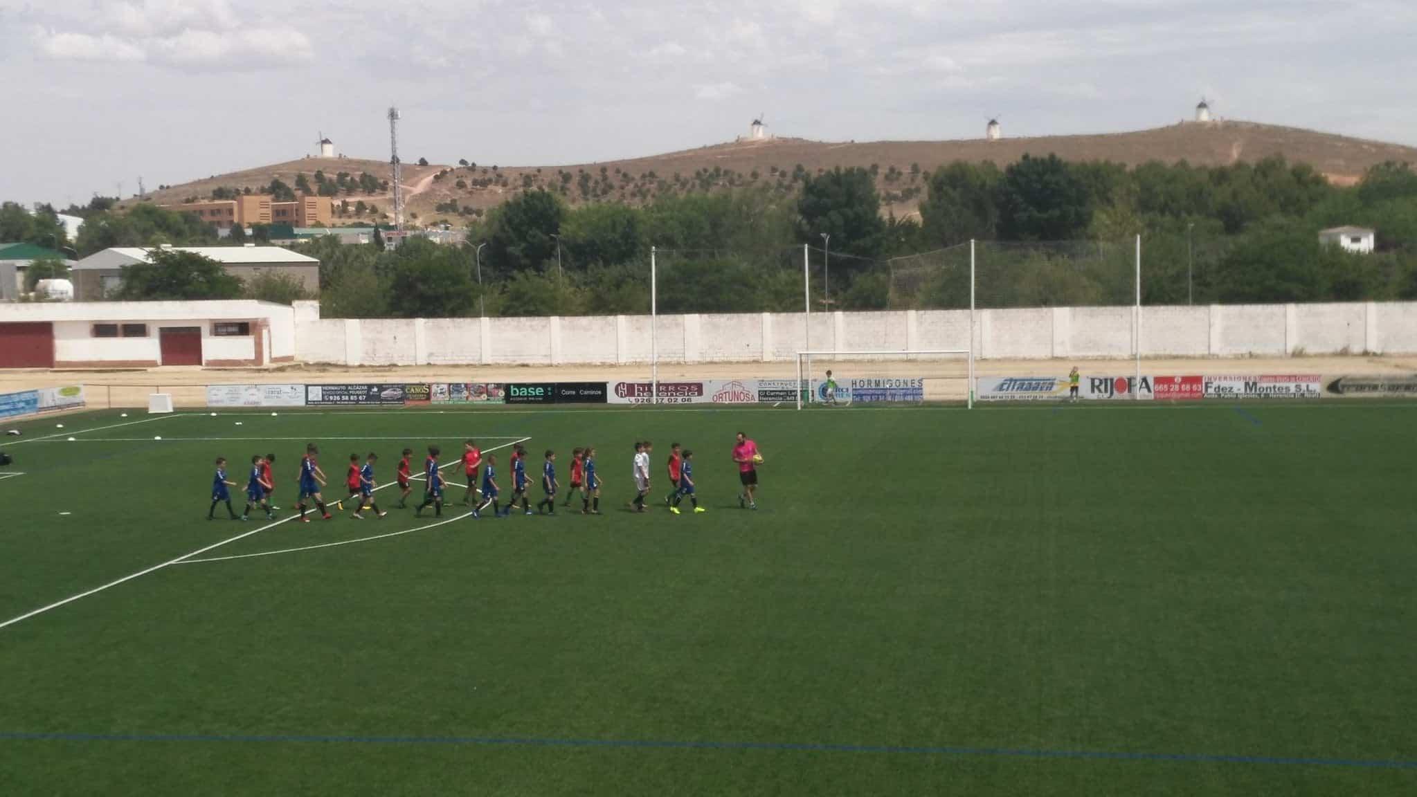 """VII Torneo futbol 8 soledad herencia - Más de 300 chavales se dieron cita en el VIII Torneo de Fútbol-8 """"Virgen de la Soledad"""""""