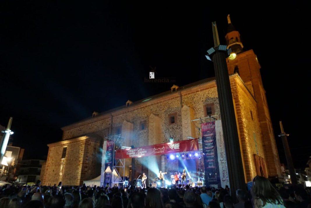 convierto dvicio en herencia 1 1068x713 - DVICIO llena una renovada Plaza de España en Herencia