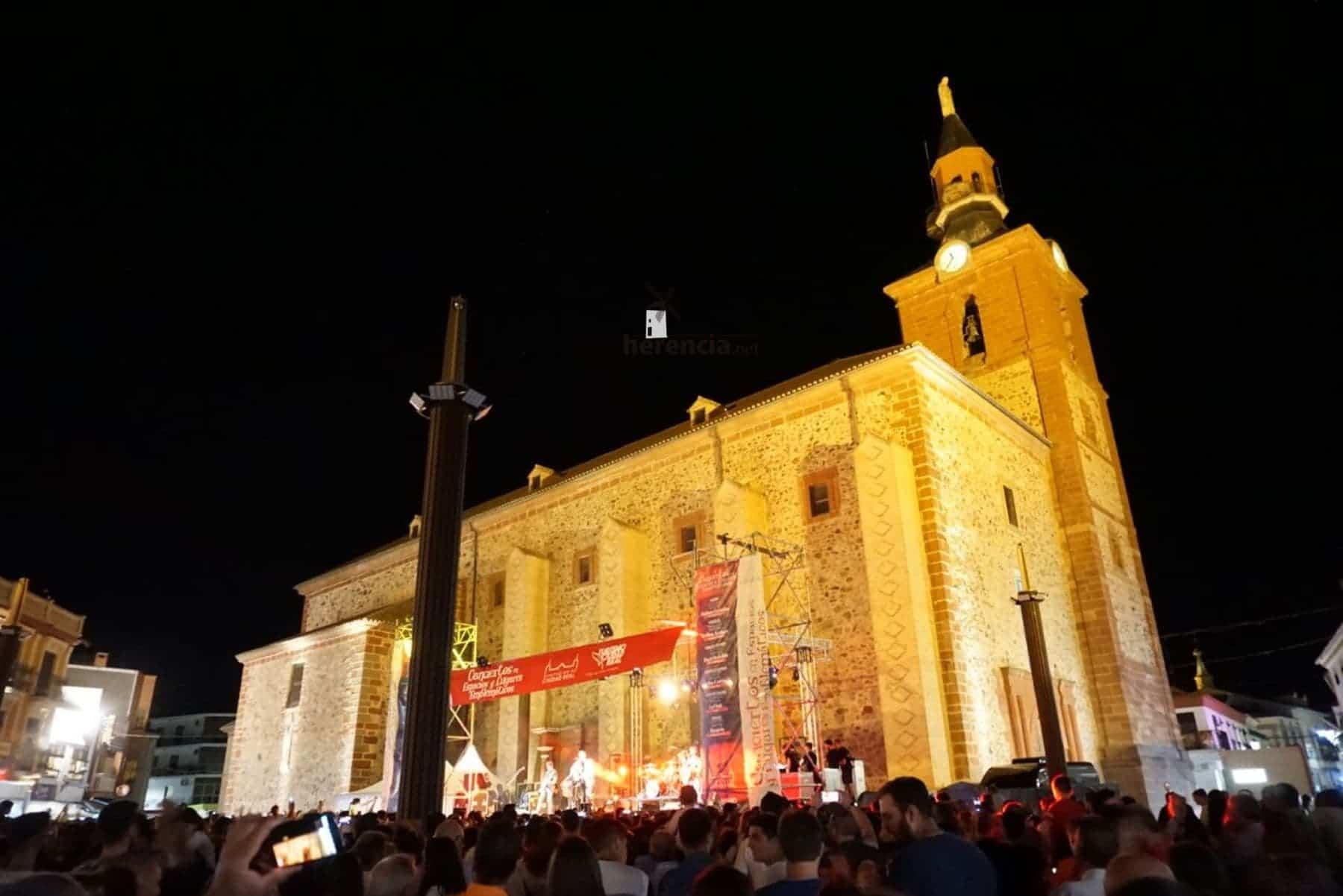 DVICIO llena una renovada Plaza de España en Herencia 51