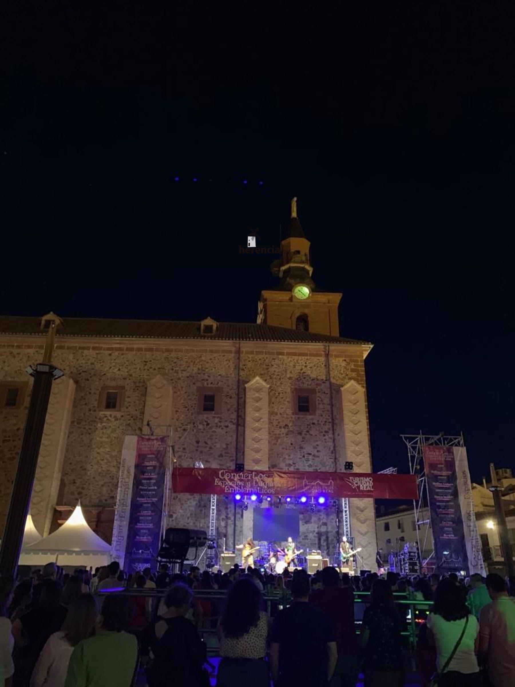 convierto dvicio en herencia 16 - DVICIO llena una renovada Plaza de España en Herencia
