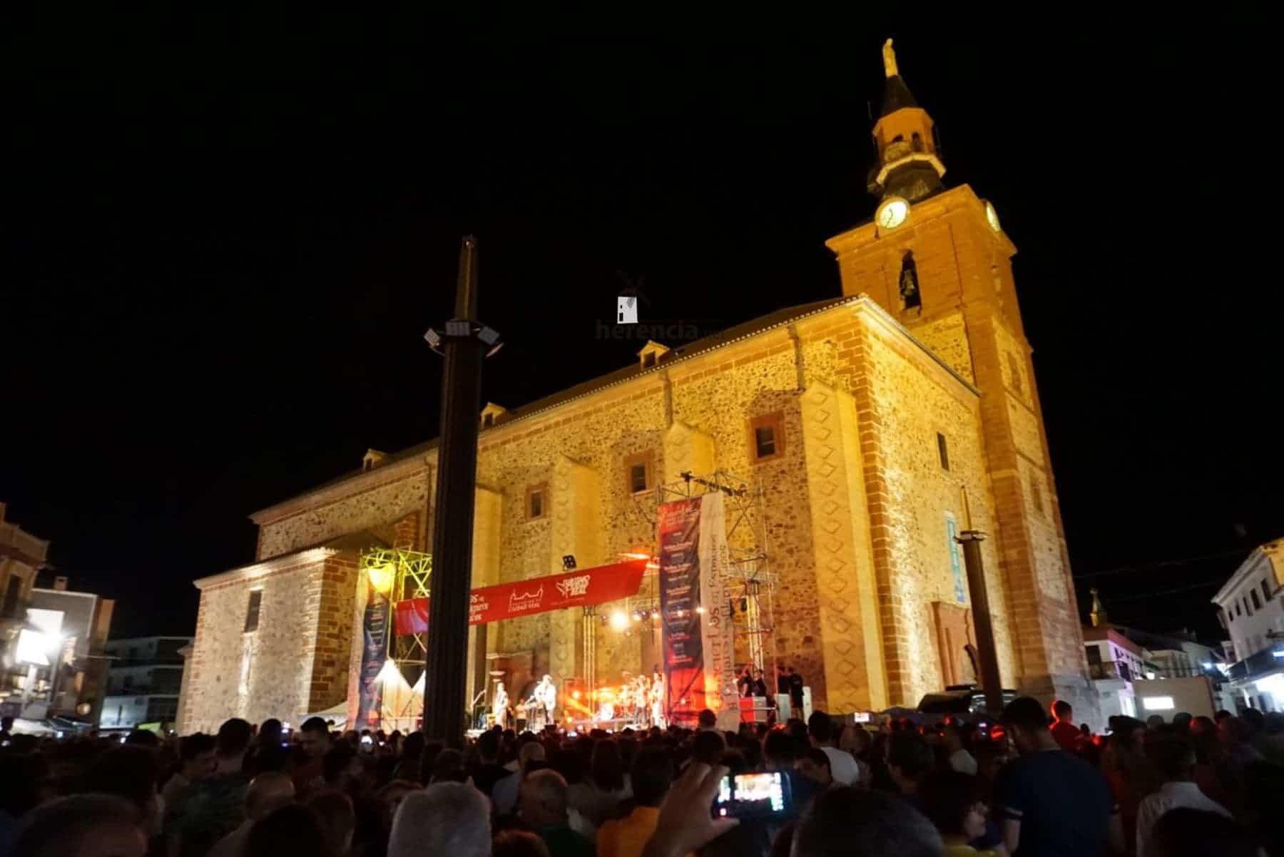 convierto dvicio en herencia 9 - DVICIO llena una renovada Plaza de España en Herencia