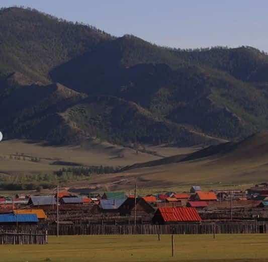 erdenet - Elías Escribano, Perlé por el mundo, en su cumpleaños pedaleando por Mongolia
