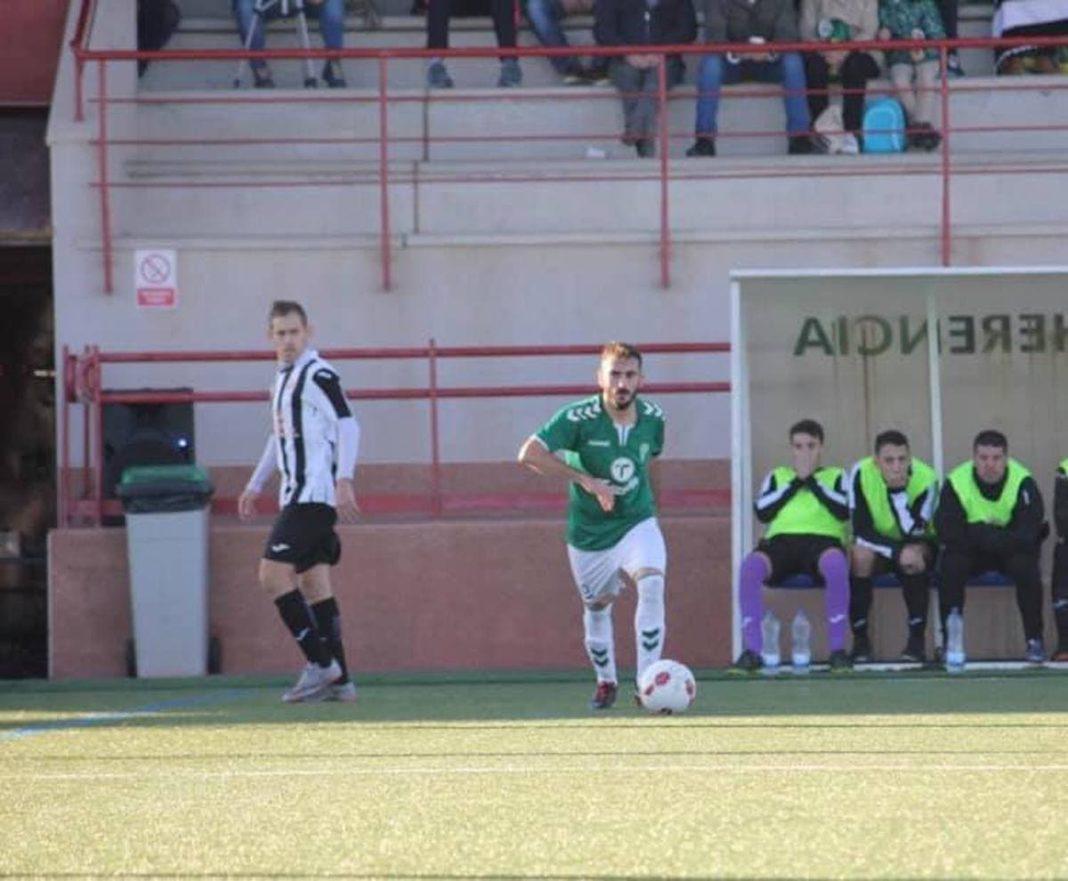 jose romero jugador herencia futbol 1068x881 - José Romero renueva un año más por el Herencia C.F.