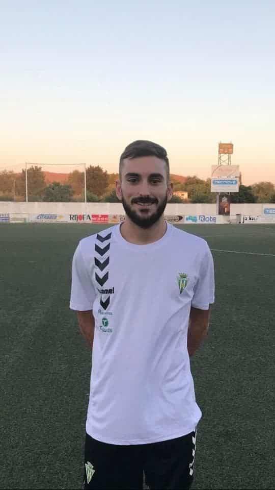 jose romero jugador herencia futbol club - José Romero renueva un año más por el Herencia C.F.