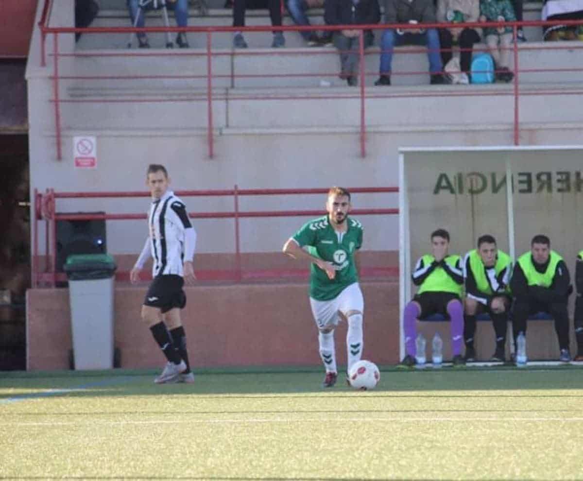 jose romero jugador herencia futbol - José Romero renueva un año más por el Herencia C.F.