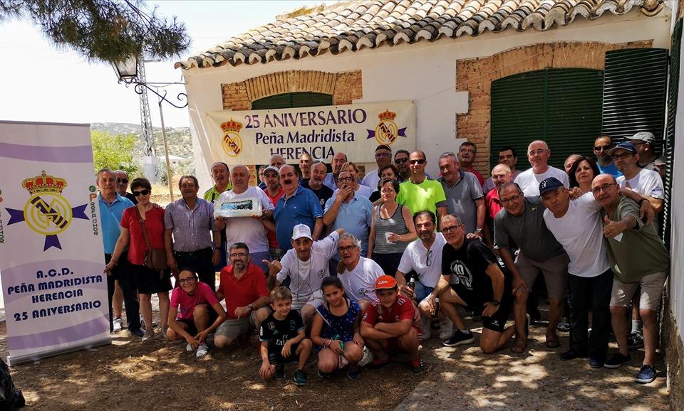 Comida de convivencia de la pe%C3%B1a del Madrid de Herencia - La Peña Madridista de Herencia celebra una comida de convivencia por su 25 aniversario