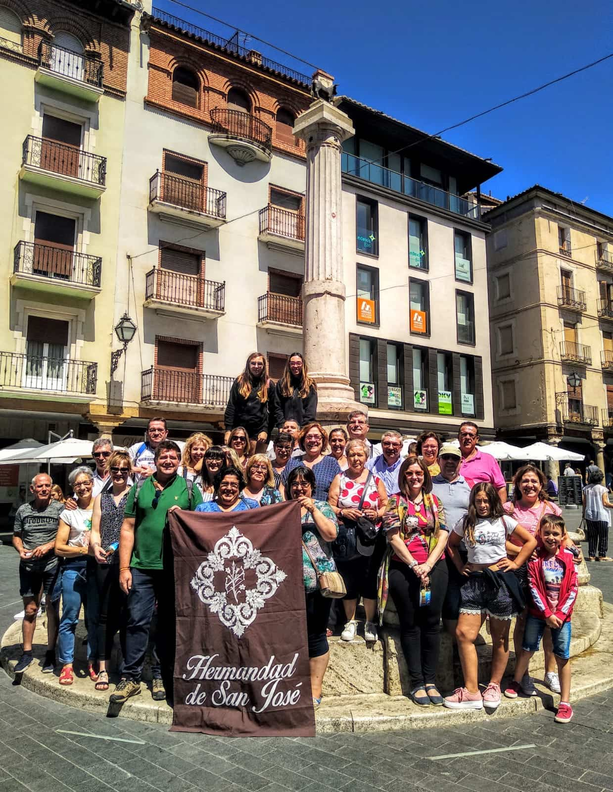 La hermandad de San José realizó una visita cultural a Teruel 3