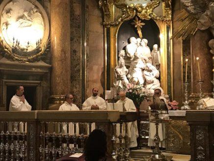visita de la parroquia de Herencia a la bas%C3%ADlica del Pilar Zaragoza3 437x328 - La parroquia de Herencia peregrina al santuario mariano de Lourdes