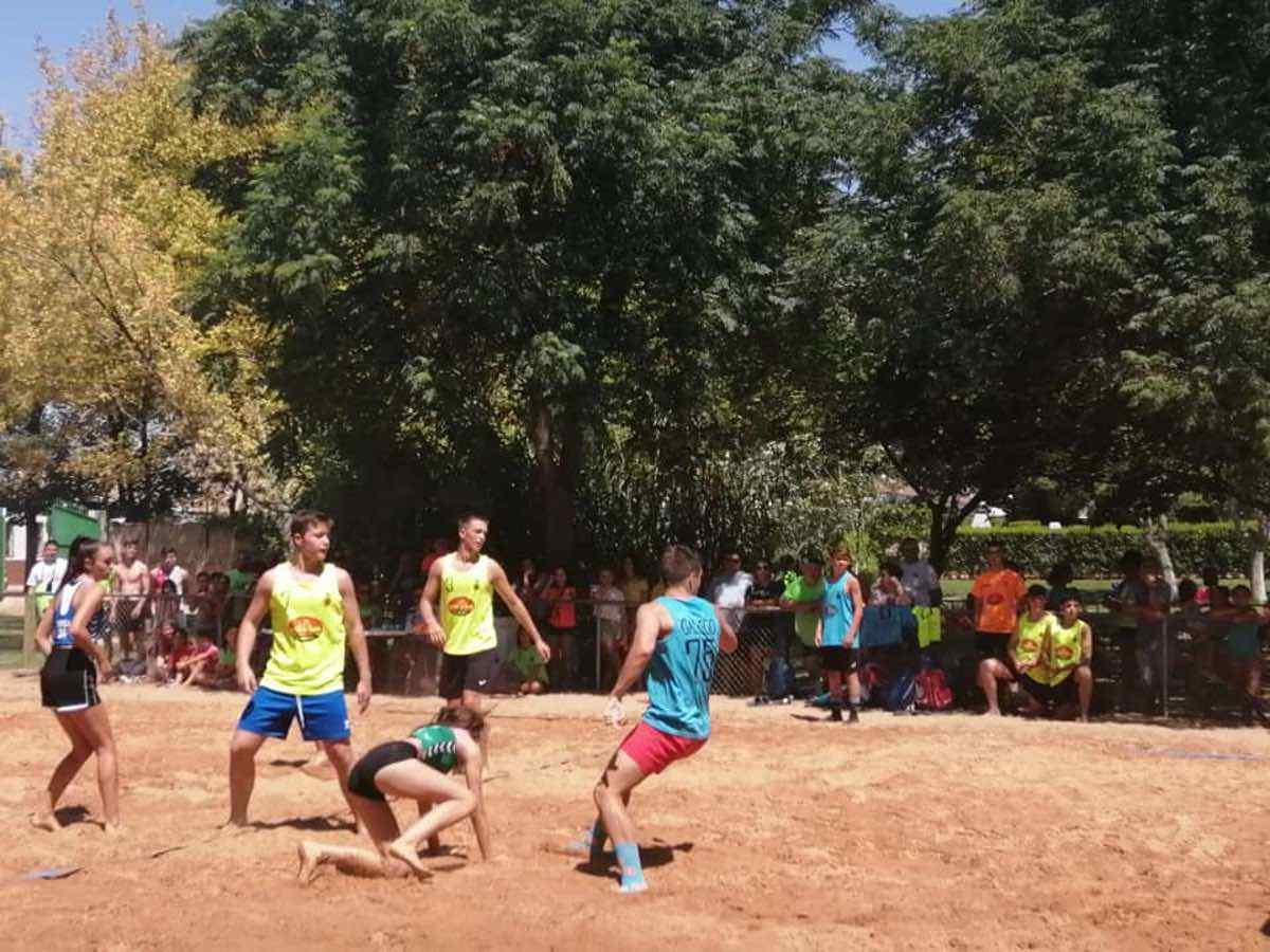 Finalizado el V Torneo de Balonmano Playa en Herencia 34