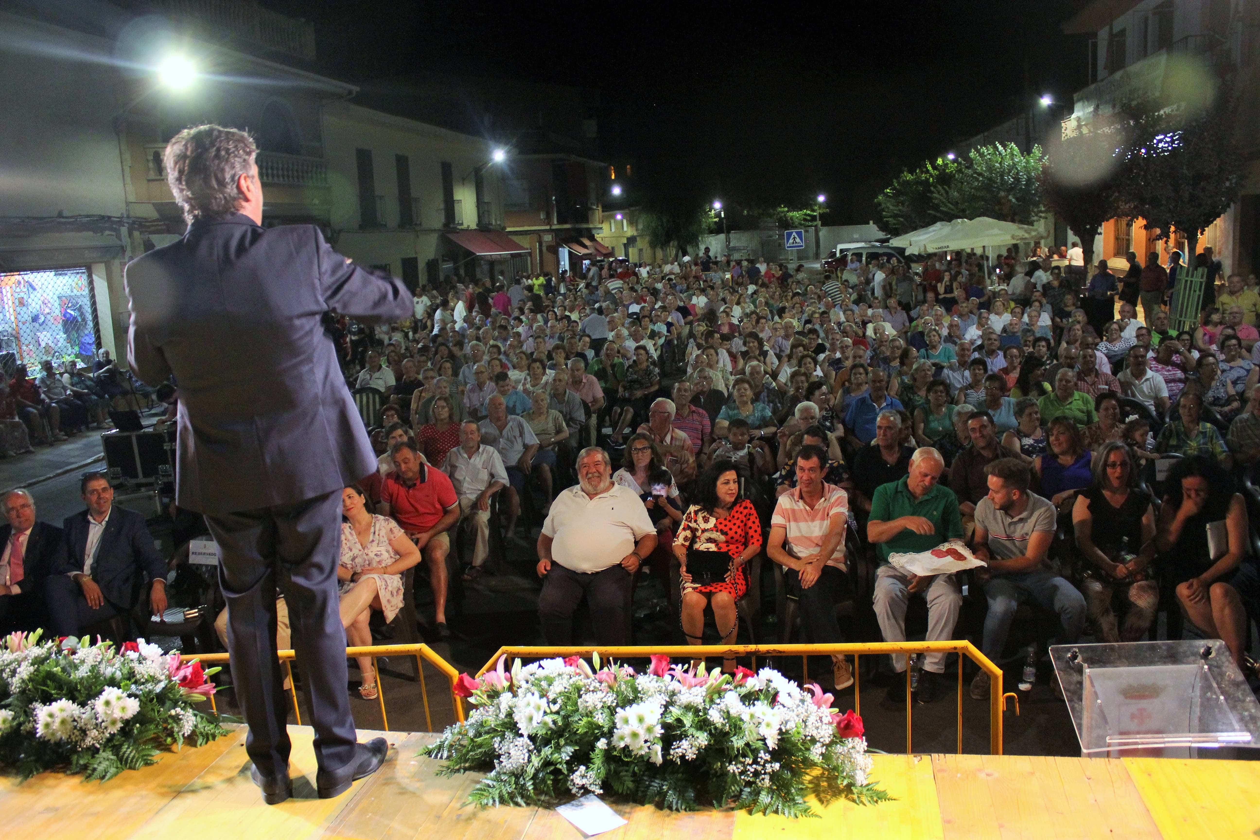 Villarrubia Publico asistente - El senador herenciano presente en el homenaje a los hombres y mujeres que viajan cada día a Madrid