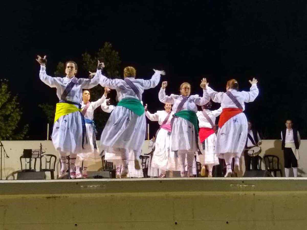 XXI Certamen de Folclore en Herencia 5 - Fotografías del XXI Certamen de Folclore en Herencia