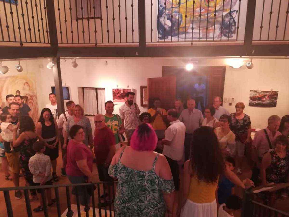 Inauguración de la Exposición Arte de Sonia Azañón Cruz 11