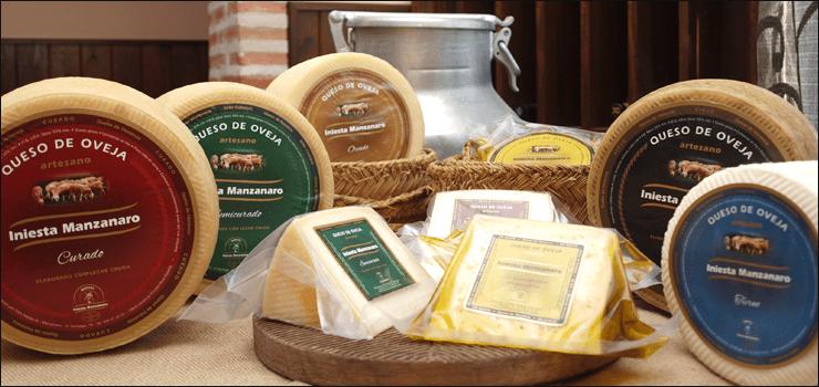 queso iniesta manzanaro de Herencia - El modisto Modesto Lomba reconoce que su desayuno ideal de los domingos pasa por comer queso de Herencia