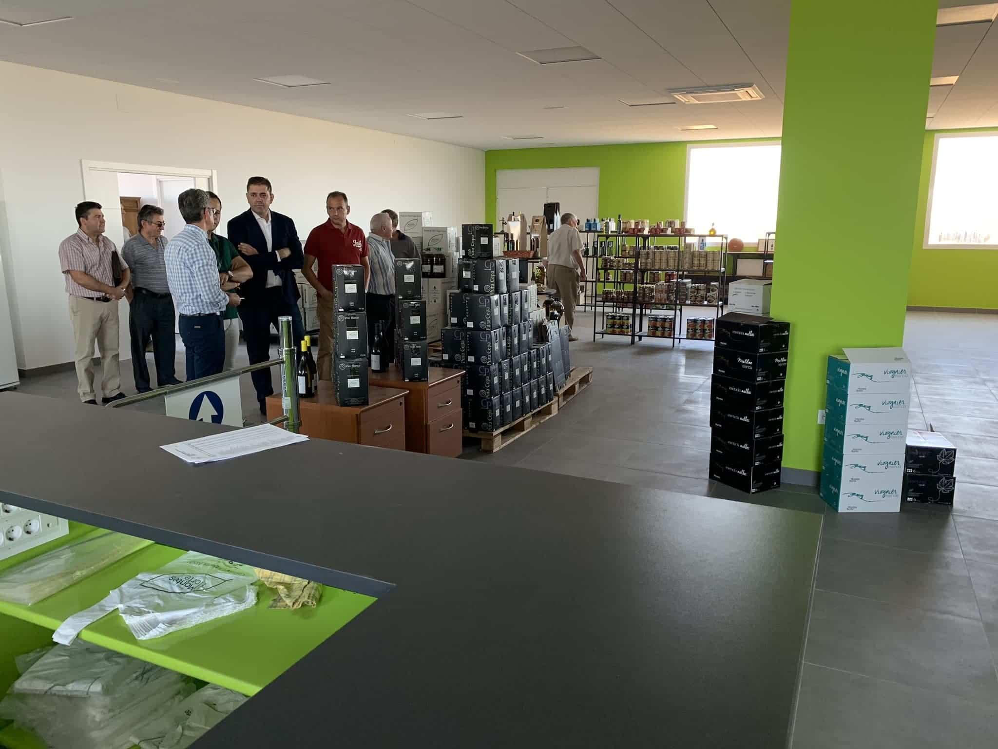visita almazarera la encarnacion herencia 3 - Nuevas instalaciones de la Cooperativa Almazarera La Encarnación en Herencia