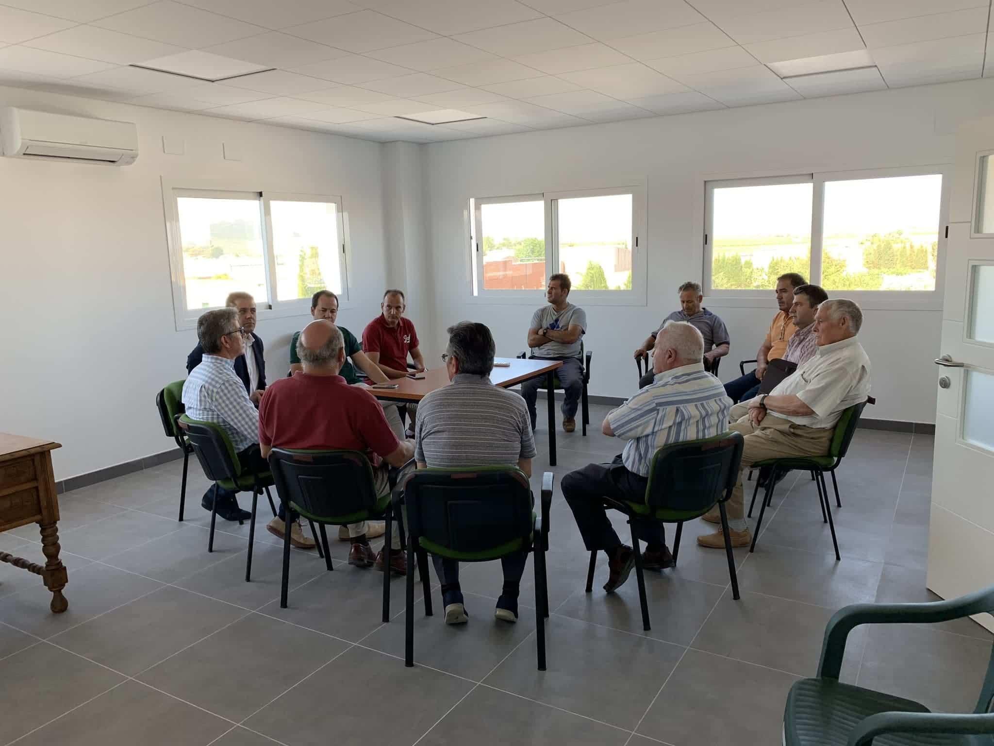 visita almazarera la encarnacion herencia 5 - Nuevas instalaciones de la Cooperativa Almazarera La Encarnación en Herencia