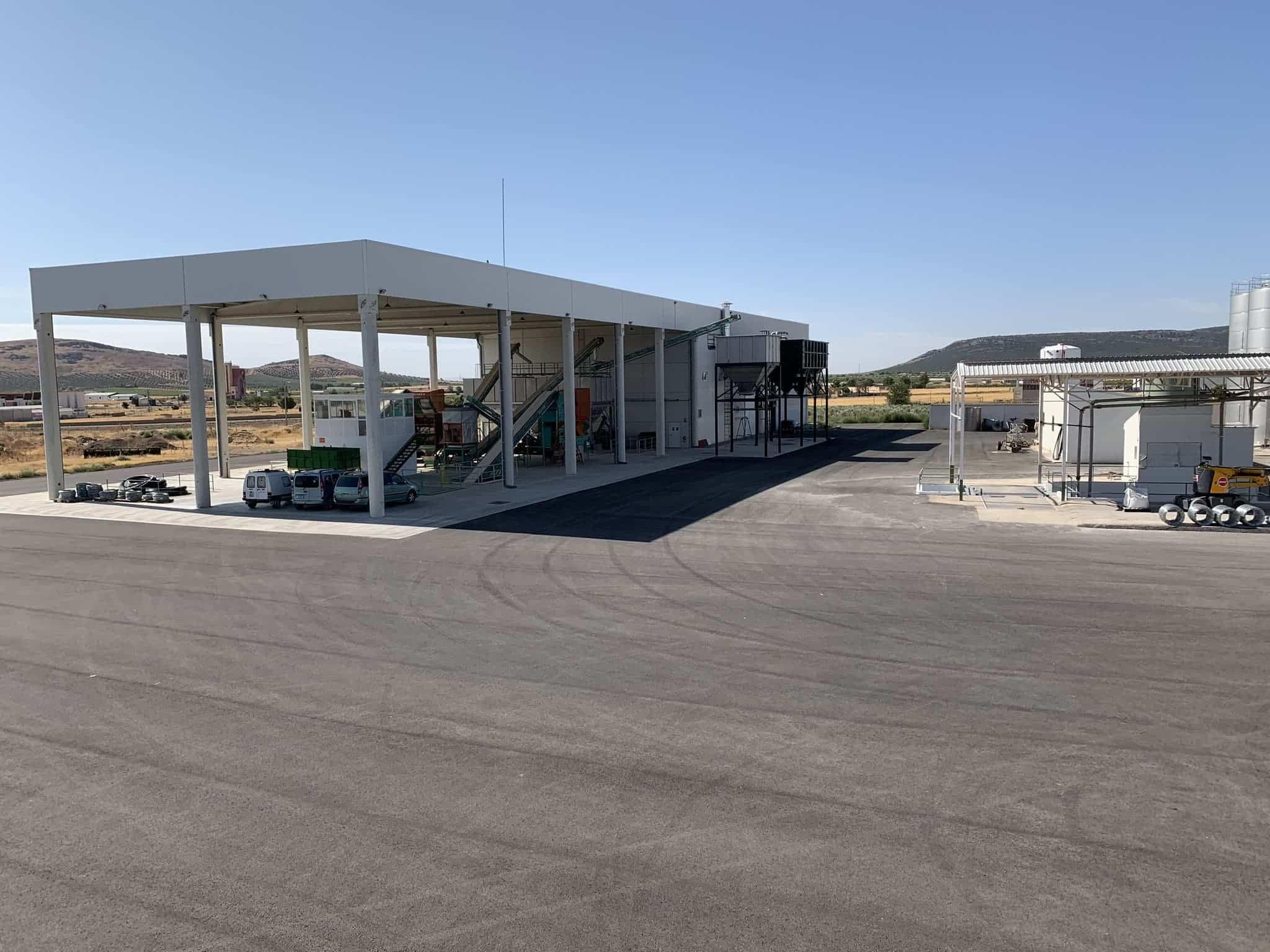 visita almazarera la encarnacion herencia 6 - Nuevas instalaciones de la Cooperativa Almazarera La Encarnación en Herencia