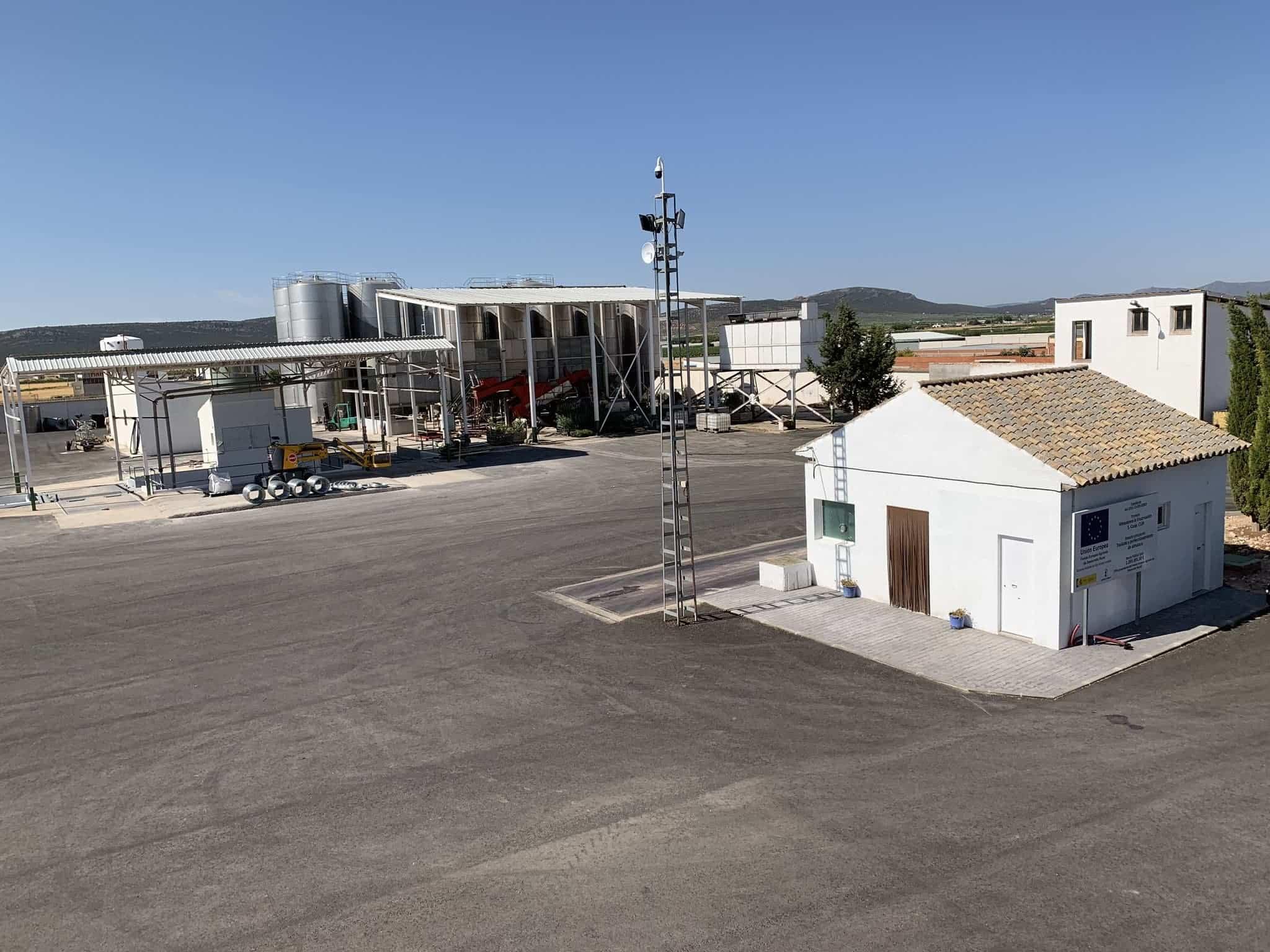visita almazarera la encarnacion herencia 7 - Nuevas instalaciones de la Cooperativa Almazarera La Encarnación en Herencia