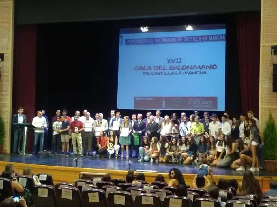 herencia en xvii gala balonmano bolanos 2 - Las chicas del infantil femenino en la XVII Gala del Balonmano en Bolaños