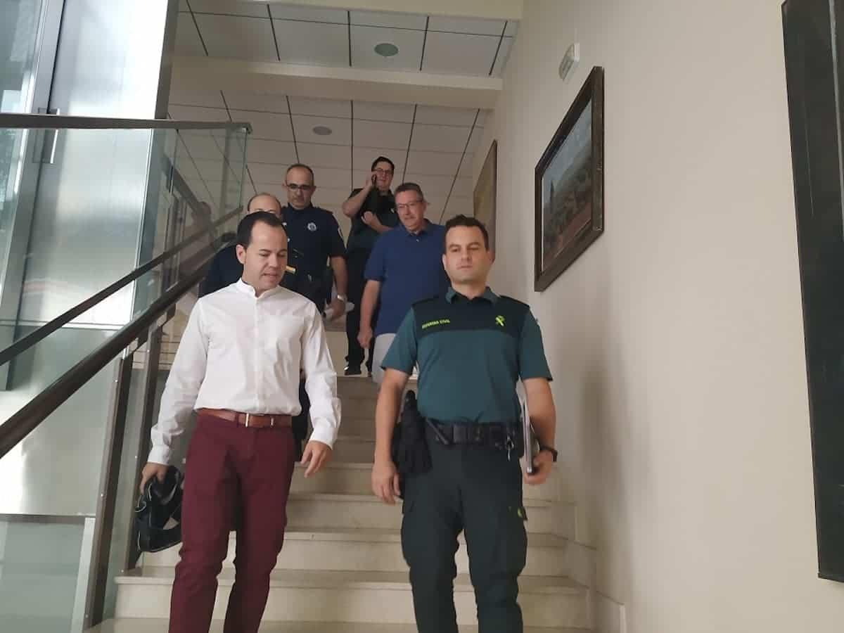 junta local de seguridad herencia escaleras - La Junta Local de Seguridad se coordina para la Feria y Fiestas de Herencia