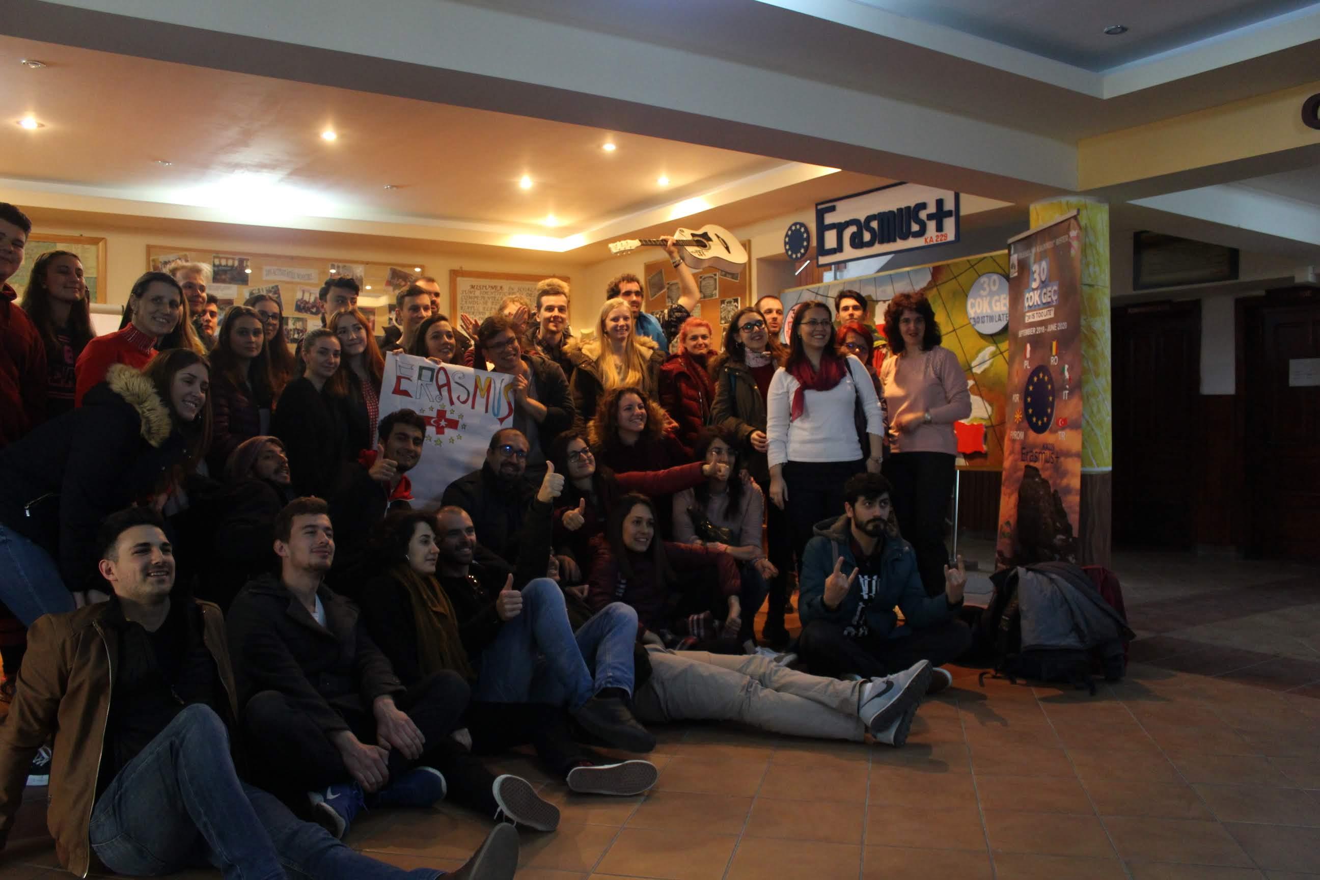 Las asociaciones locales El Uali Sahara y Aktive Kosmos en Rumanía 7