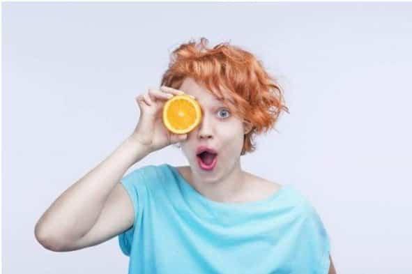 ¿Cómo prevenir infecciones al usar lentillas en verano? 1