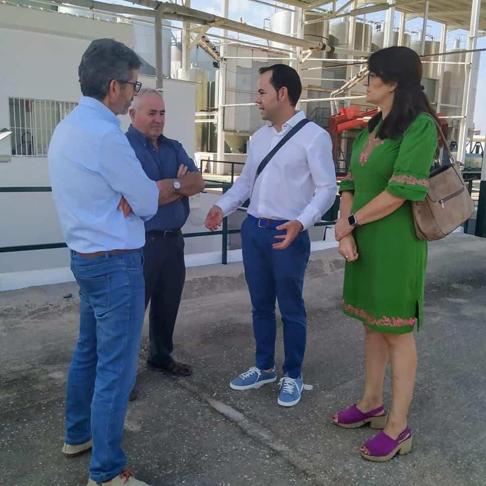 """visita inicio vendimia la encarnacion herencia 1 - Inicio de la campaña de vendimia en la Cooperativa Almazarera """"La Encarnación"""""""