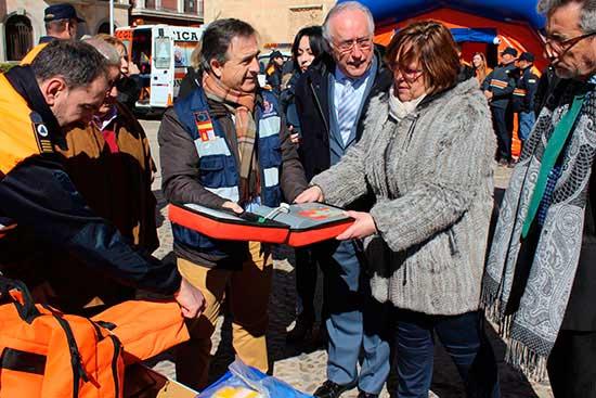 Olmedo entrega material Protección Civil - La Junta destina un equipo electrógeno y complementos para Protección Civil de Herencia