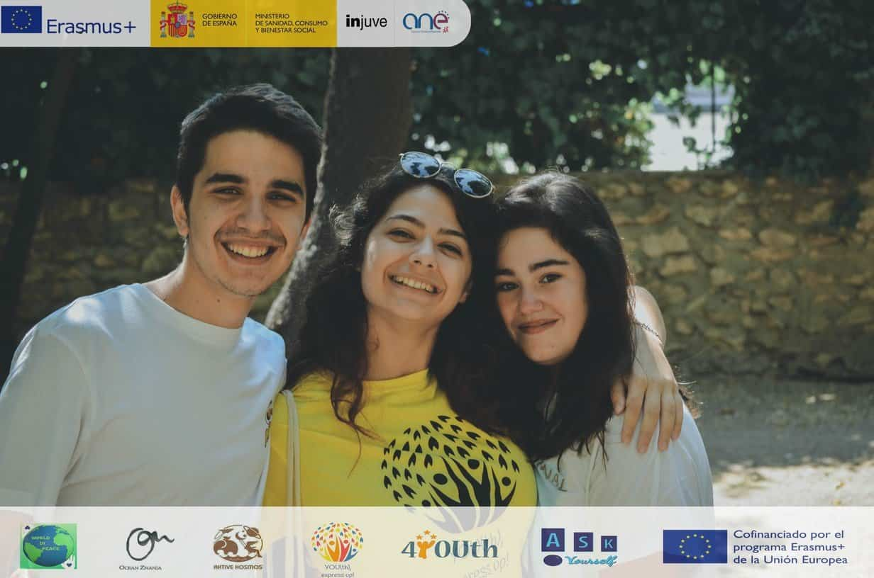 "YOUth express UP EN HERENCIA - ""YOU(th), express UP!"" EN HERENCIA"