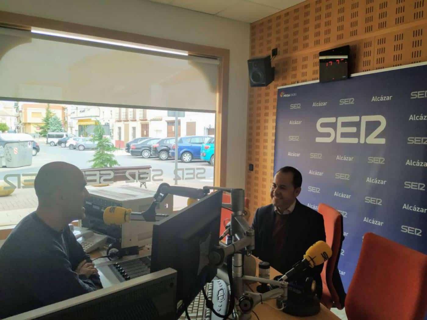 Entrevista alcalde de Herencia en SER Alcázar. Foto de radio.