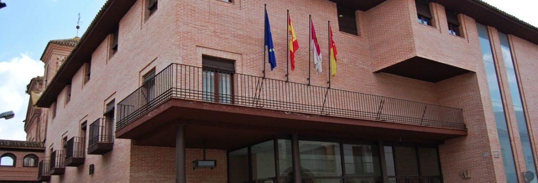 ayto 1068x365 - El Ayuntamiento pone a la venta 8 parcelas de uso residencial