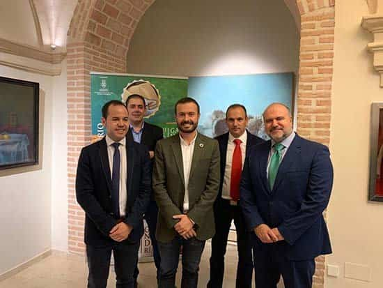 consejero de desarrollo sostenible en Herencia - El consejero de Desarrollo Sostenible inauguró de las VII Jornadas 'Agricultura y Ganadería'