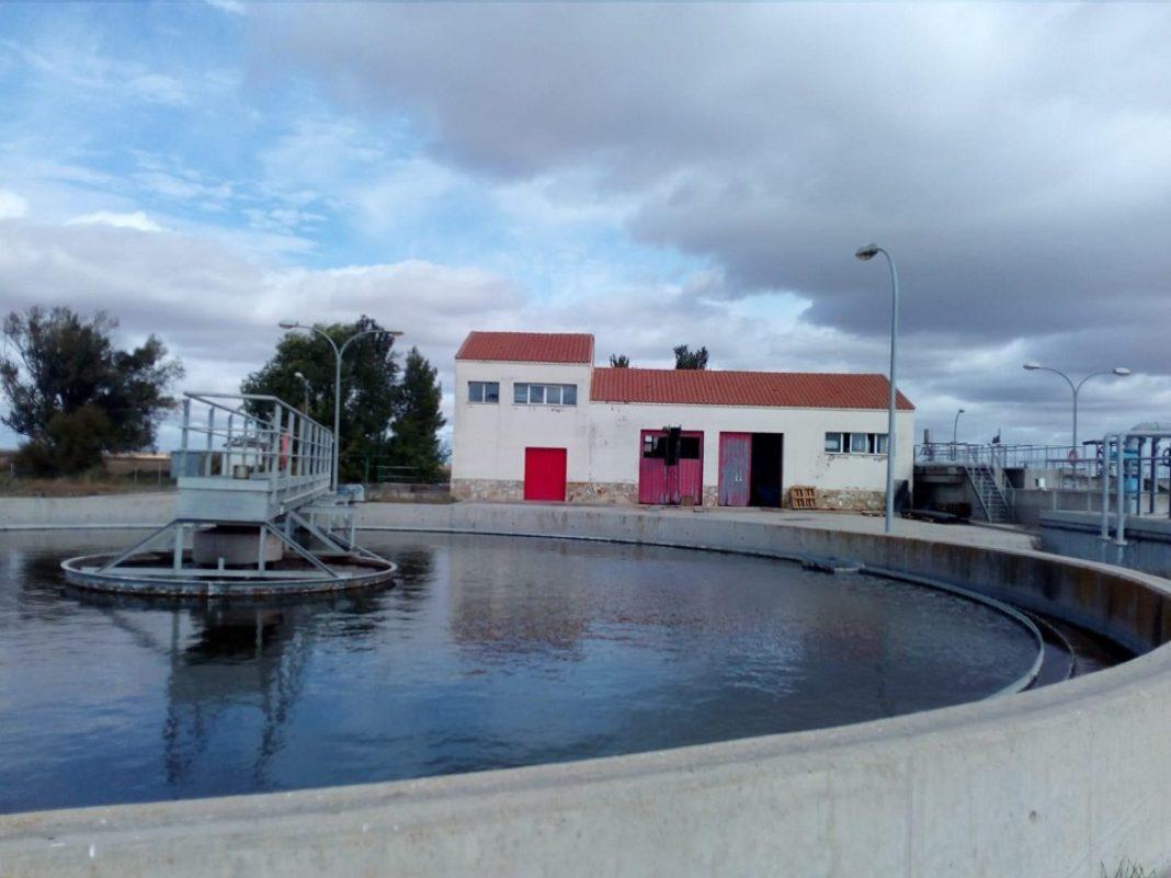depuradora de agua 1068x801 - Aprobados dos nuevos proyectos de obra y mejora de instalaciones municipales