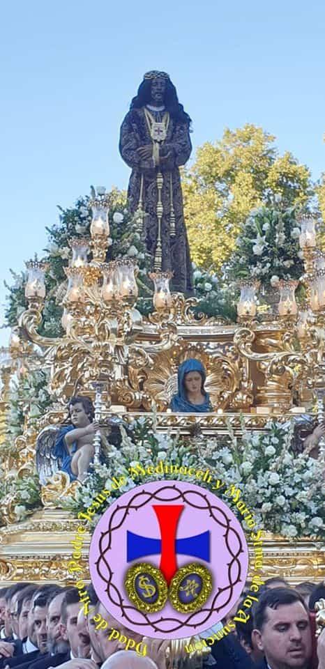 Miembros de la hermandad de Medinaceli de Herencia presentes en la salida extraordinaria del Medinaceli de Madrid 11