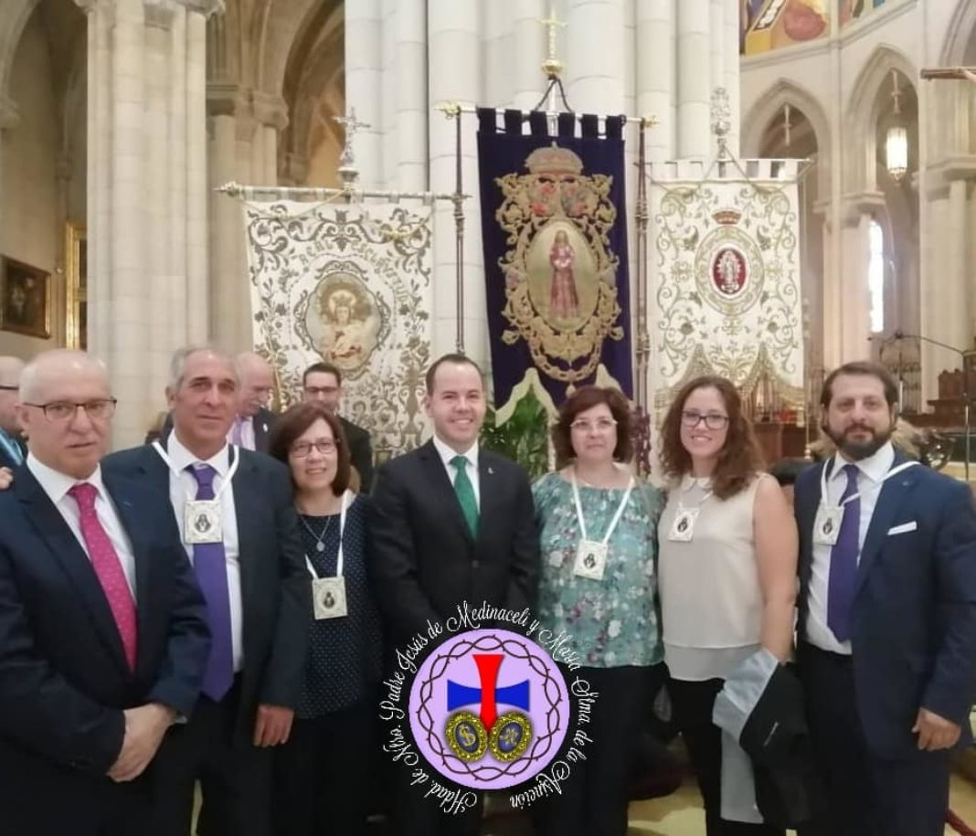 Miembros de la hermandad de Medinaceli de Herencia presentes en la salida extraordinaria del Medinaceli de Madrid 13