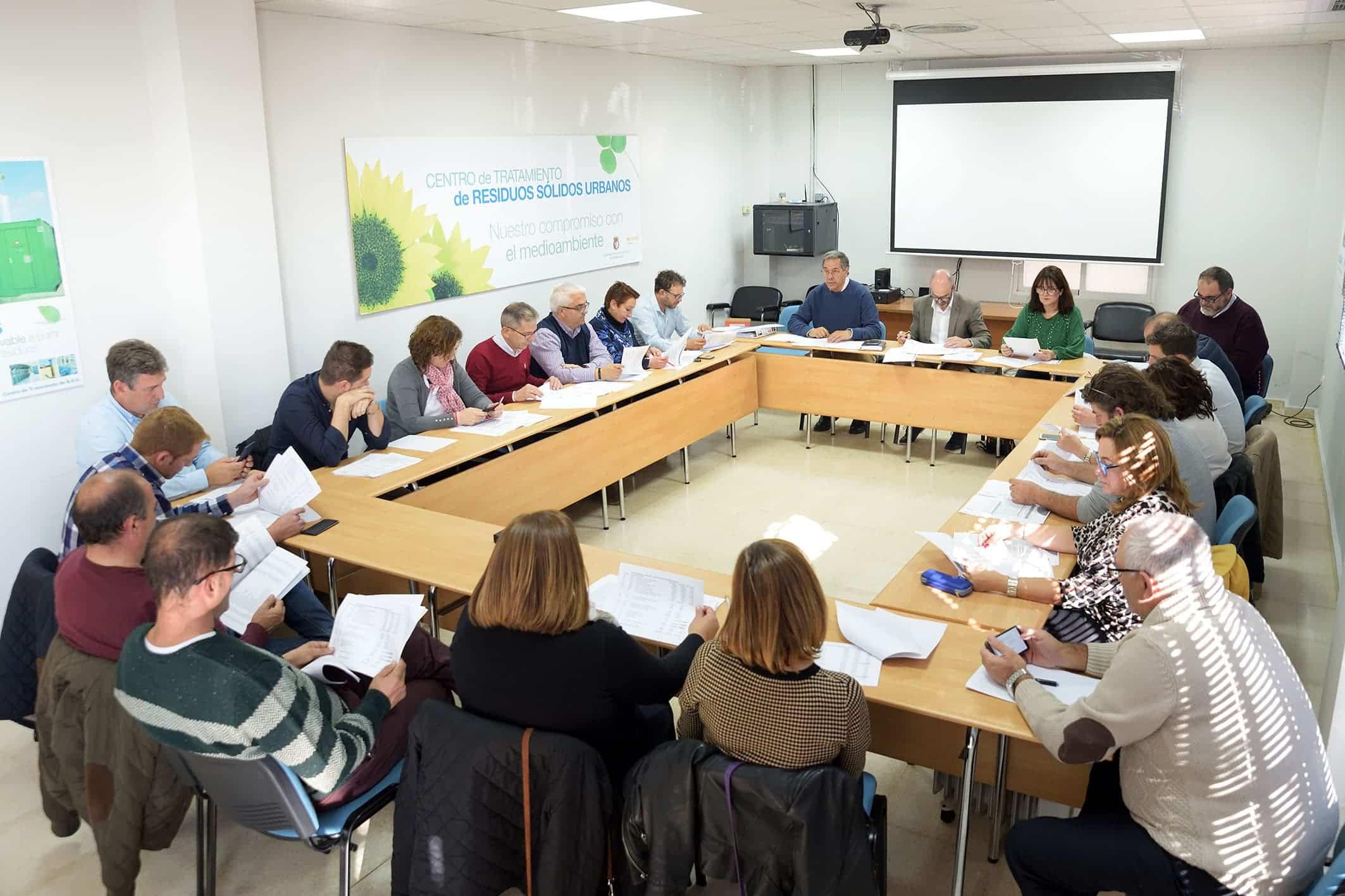 20191109 Pleno y visita a la planta06 Comsermancha - La Corporación de Comsermancha visita la planta de RSU